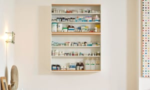 Bodies, a medicine cabinet designed by Damien Hirst in 1989