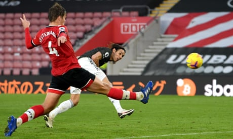 'So clever, so sharp': Solskjær hails Cavani's impact for Manchester United