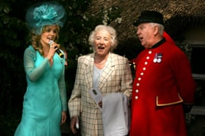 Katherine Jenkins, Dame Vera Lynn and Chelsea Pensioners at the Chelsea flower show on 23 May 2005