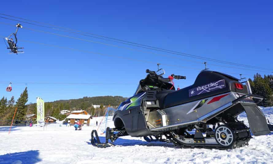 electric snowmobile