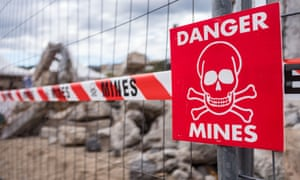 The US will end its moratorium on the production and deployment of landmines, it has been reported.