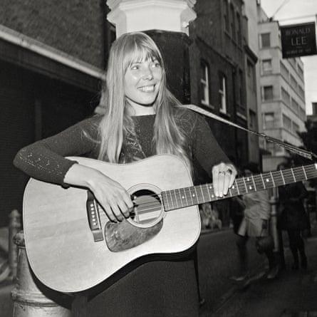Ingenue … Joni Mitchell at 24, in London.