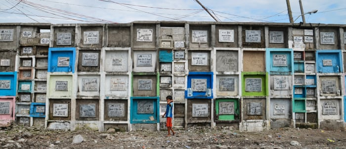 Graveyard Living Inside The Cemetery Slums Of Manila Cities