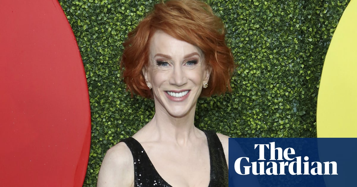 Comedian Kathy Griffin to undergo surgery for lung cancer 'even though I've never smoked'
