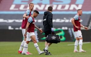 Manuel Lanzini goes off injured.