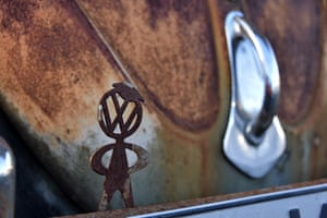 VW shares fall after confession of false CO2 data<br>04 Nov 2015, Rhineland, Germany --- A rusty Volkswagen man stands on the bumper of a VW Beetle in the Beetle garage in Usseln, Germany, 04 November 2015. VW announces hundreds of thousands of additional cars are affected by 'irregularities' in exhaust values. Now it involves false CO2 data. Photo: UWE ZUCCHI/dpa --- Image by © Uwe Zucchi/dpa/Corbis