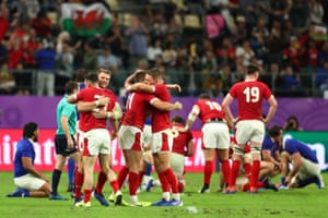 Wales celebrate their 20-19 win over France.