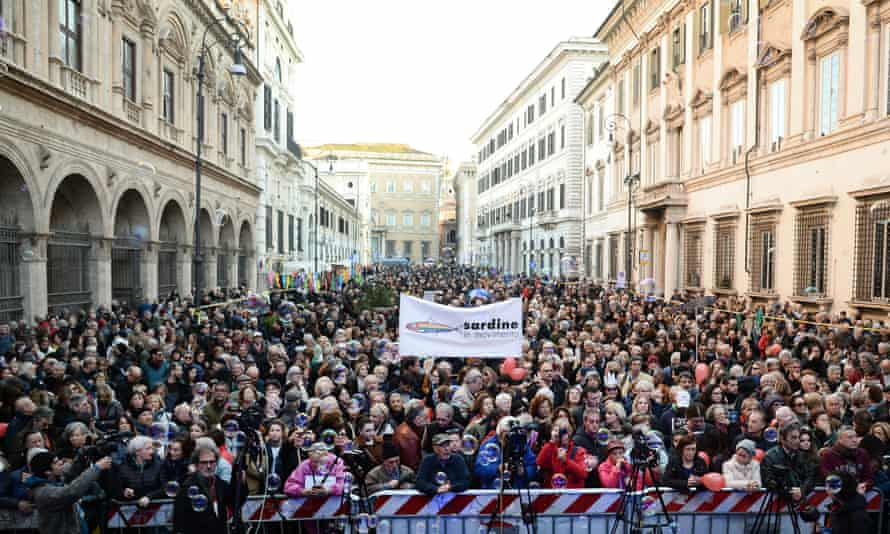Crowds at a demonstration in Rome in February 2020 by the Italian Sardines movement against right-wing populism