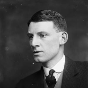 English poet and novelist Siegfried Sassoon (1886 - 1967) pictured in 1916.