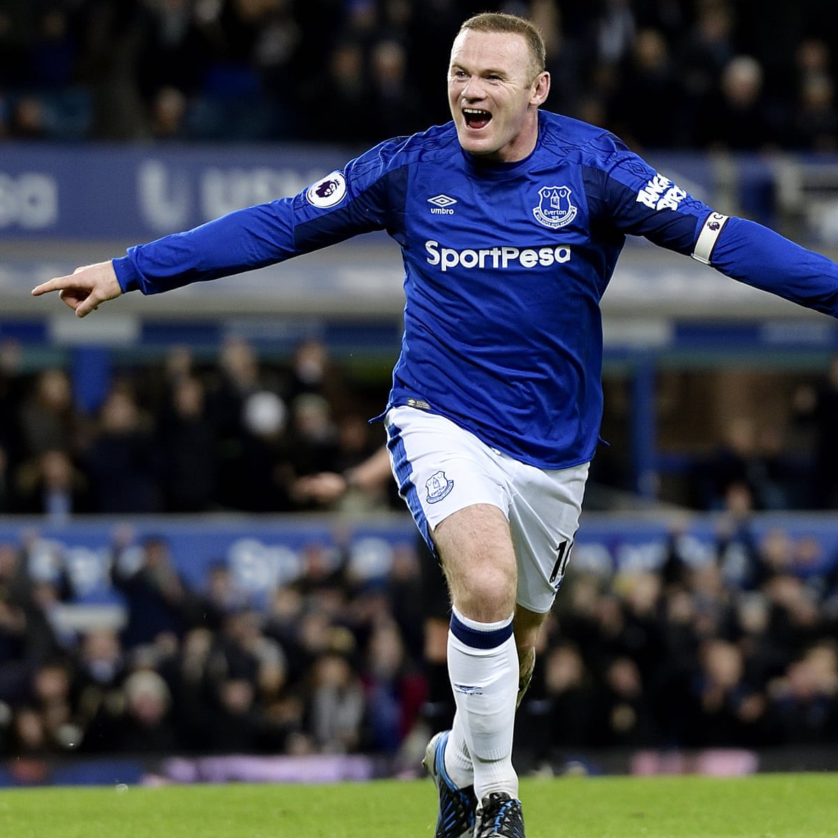Sam Allardyce Watches On As Wayne Rooney Hat Trick Seals Rare Everton Win Premier League The Guardian