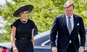 荷兰国王Willem-Alexander和Queen Maxima参加了三年前被击落的马来西亚航空MH17航班受害者纪念碑的开幕仪式。