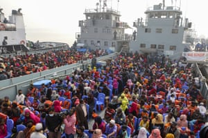 Chittagong, Bangladesh. Rohingya refugees headed to the Bhasan Char island board navy vessels from the south eastern port. Authorities sent a fourth group of refugees to the newly developed island in the Bay of Bengal on Monday amid calls by human rights groups for a halt to the process