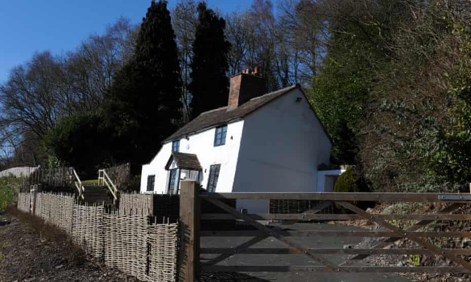 Cottage leaning over due to subsidence