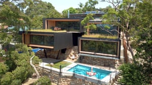 The Seed House by Fitzpatrick + Partners architects. The Seed House is positioned on a typical Castlecrag steep bushland block overlooking Middle Harbour