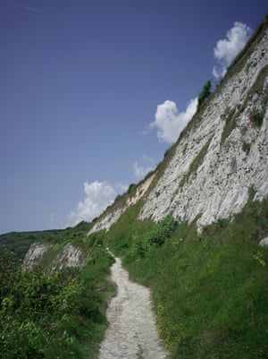 The walking trail along the top of Dover's white cliffs