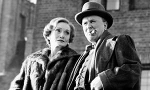 Robert Hardy as Churchill, with Siân Phillips as his wife Clementine, in Winston Churchill: The Wilderness Years, 1981.