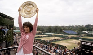 Virginia Wade, Wimbledon winner in 1977, was ignored by newspapers celebrating Andy Murray ending a '77-year wait' for a British champion.