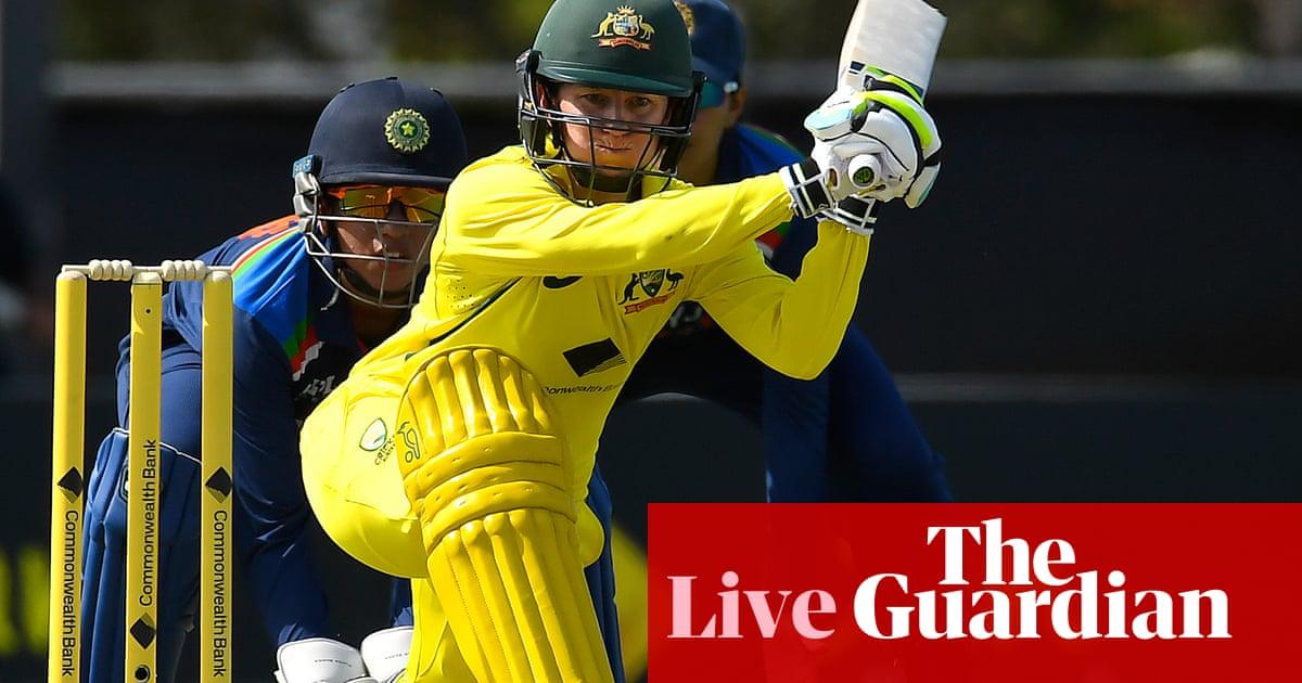 Australia win 25th consecutive ODI with nine-wicket victory over India