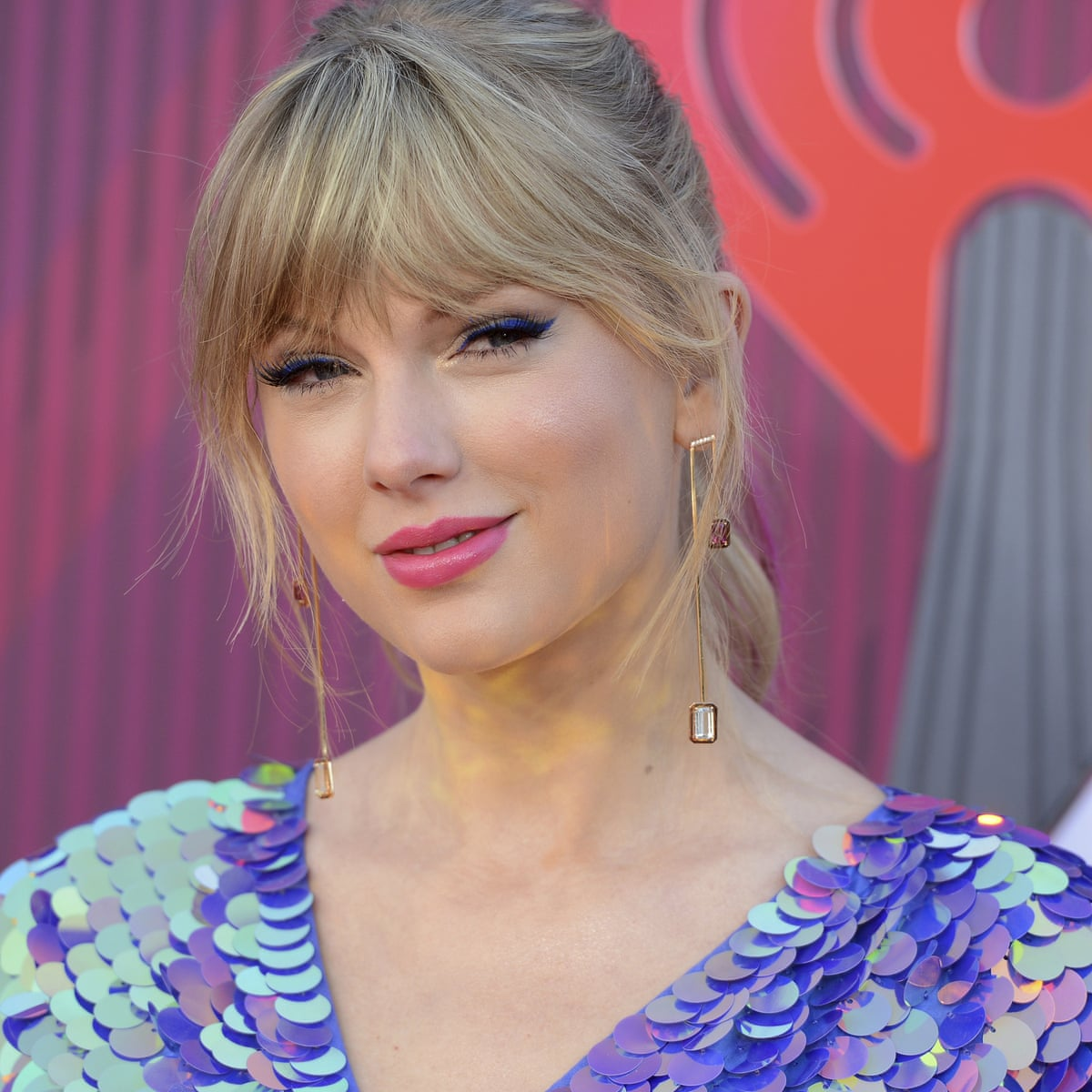 Taylor Swift Donates 113 000 To Fight Anti Lgbt Bills In Tennessee Taylor Swift The Guardian