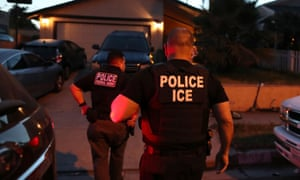 Ice agents are still performing raids ––and using precious N95 masks to do so