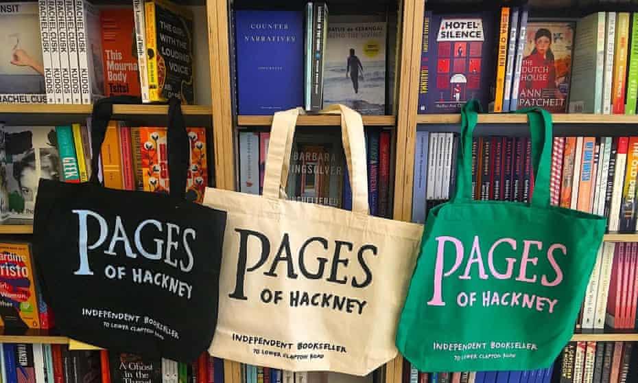 Páginas de estantes y bolsas de Hackney