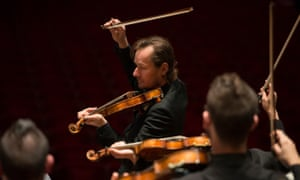 Richard Tognetti and the Australian Chamber Orchestra