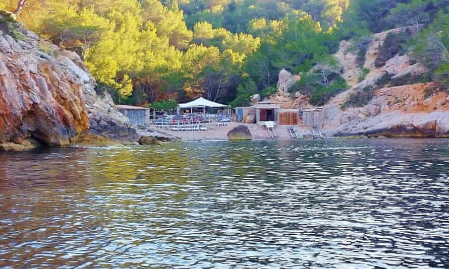 Utopía Chiringuito, Calo des Moltons, Ibiza.