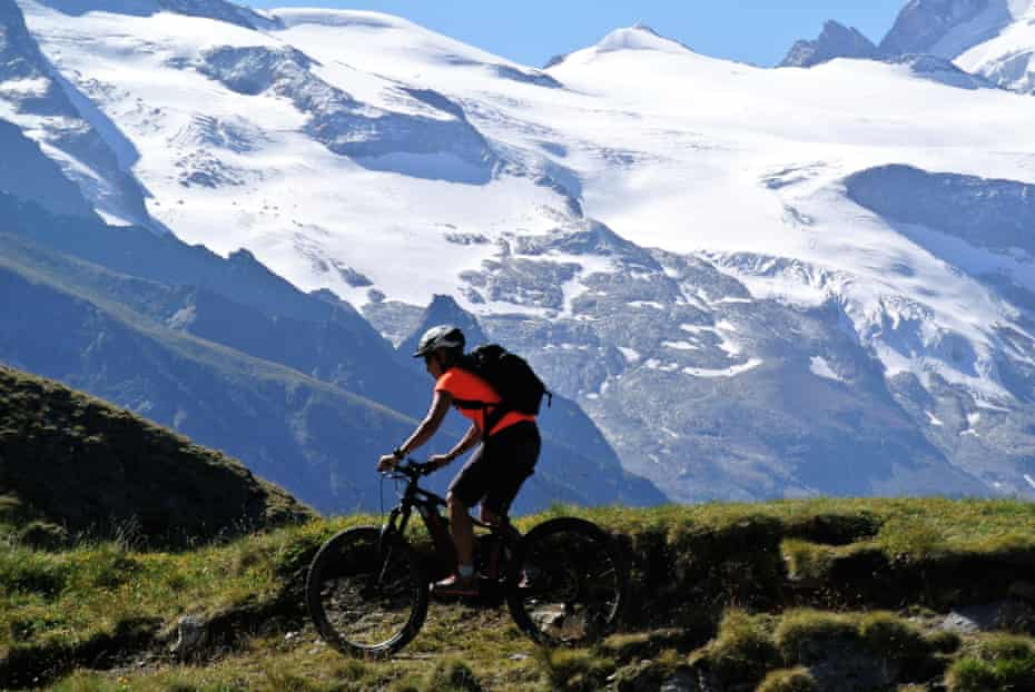 Riding to the Col de Torrent on the Haute Route.