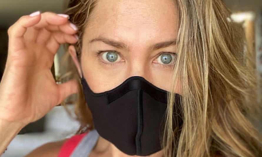 Jennifer Aniston posts on her Instagram account using the hashtag #wearadamnmask