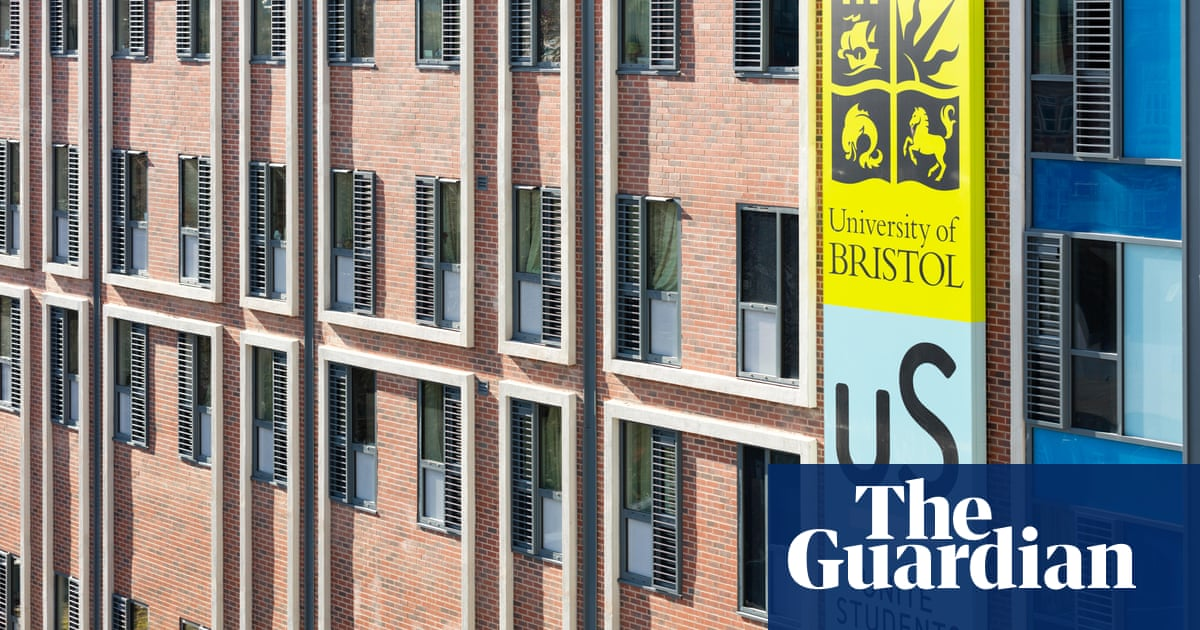 Should you go private or choose a uni hall?