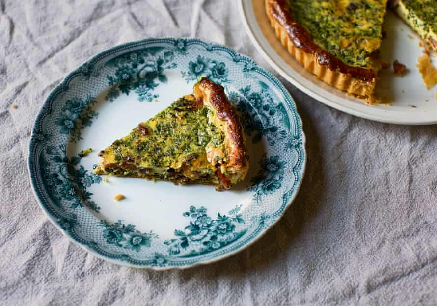 Herb and pancetta quiche with puff pastry