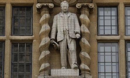 Oxford college backs removal of Cecil Rhodes statue