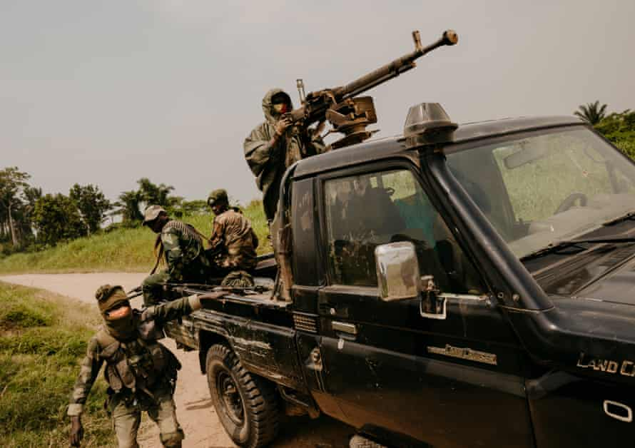 FARDC patrol on the Mbau-Kamango highway, Beni territory