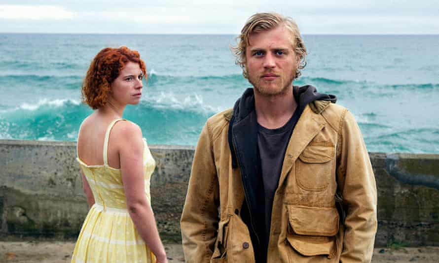 Actors Jessie Buckley and Johnny Flynn in Beast (2017)