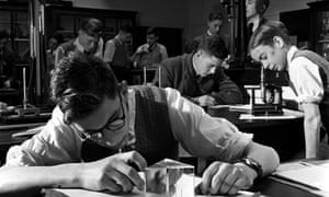 A Manchester Grammar School pupils tackle physics in 1950.