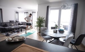 Marco Richter of Bundesliga club Augsburg trains in his apartment with his personal coach Arne Greskowiak via the internet.
