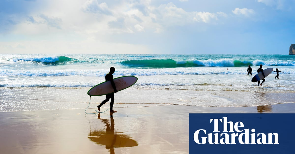 Surfer dies after shark attack on NSW mid-north coast