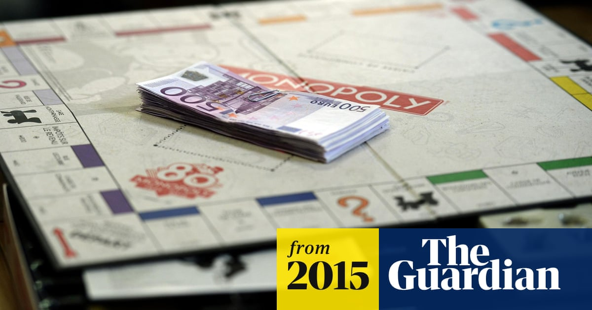 Monopoly maker secretly includes real money in special