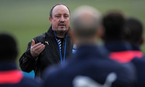 Newcastle's new manager, Rafael Benítez, speaking to his players before a training session