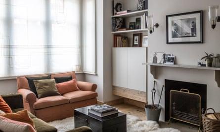 flora bathurst lounge