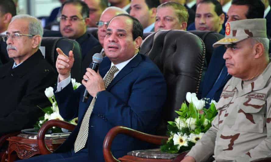 The Egyptian president, Abdel Fatah al-Sisi (centre)