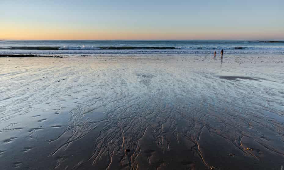 Locquirec beach at sunrise