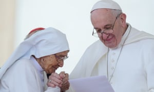 Pope Francis presented sister Maria Concetta Esu with a honour for her work in Central African Republic at his weekly audience.