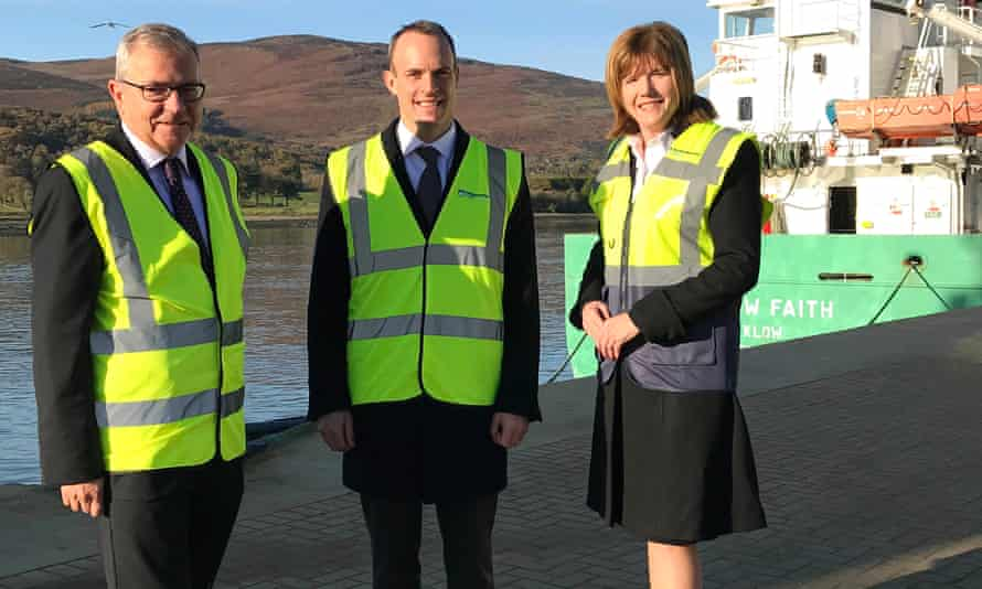 Dominic Raab (centre) at Warrenpoint Port.