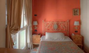 Albergo delle Drapperie, hotel bedroom Bologna, Italy