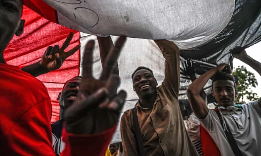 Protesters in Khartoum call for civilian rule