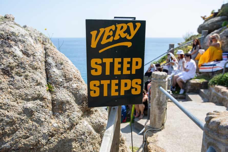 'Steep steps' sign