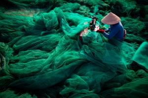 Sewing Net by Tran Tuan Viet, Phu Yen, Vietnam