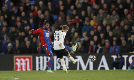 Eriksen closes the gap for Tottenham with precious winner at Crystal Palace