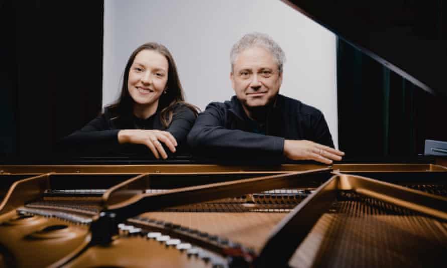 Duo Pleyel – Alexandra Nepomnyashchaya and Richard Egarr.